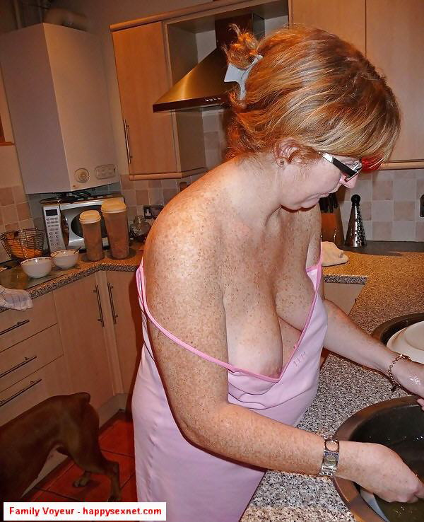Naked mom hidden cam