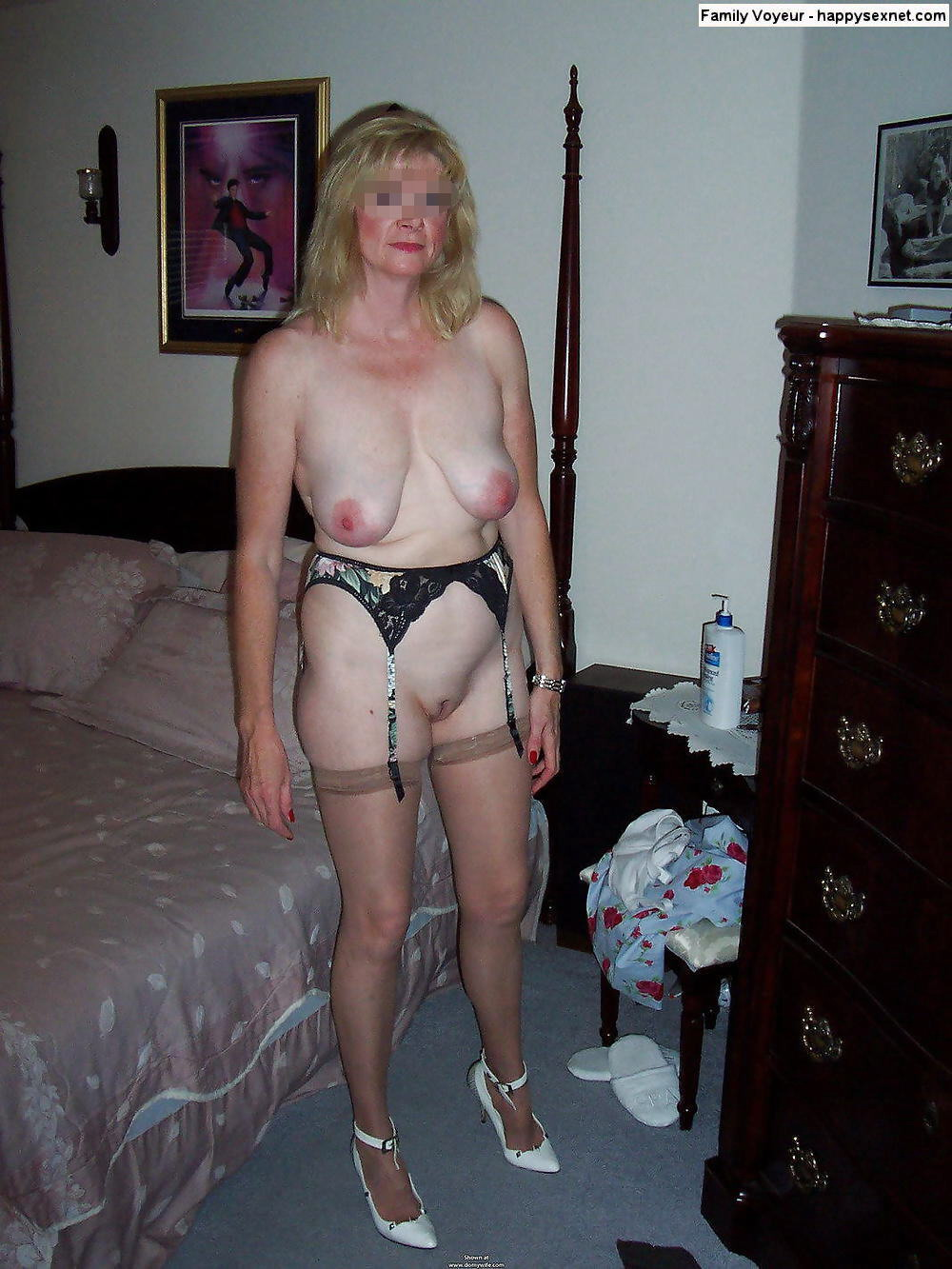 Amateur granny with hot body and hungry cunt 10